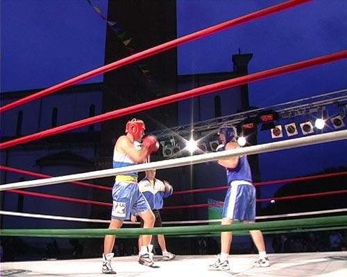 Ring in americana e service per incontri di boxe